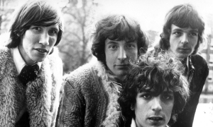 Members of the psychedelic pop group Pink Floyd. From left to right, Roger Waters, Nick Mason, Syd Barrett and Rick Wright.   (Photo by Keystone Features/Getty Images)