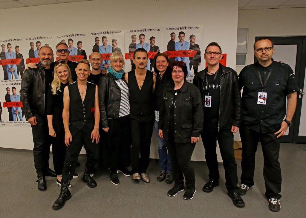 Ivan Langer (zcela vlevo) s Depeche Mode